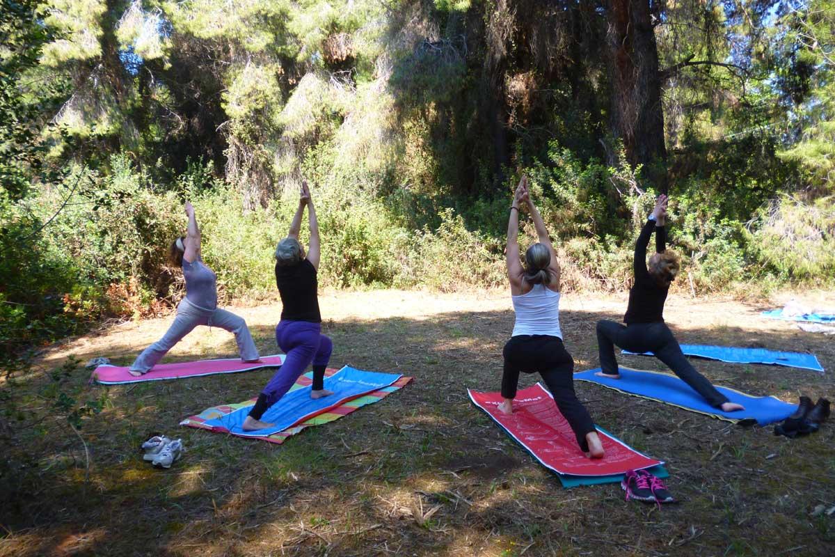 yoga στη φύση
